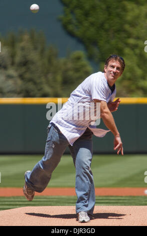 May 16, 2010 - Denver, Colorado, U.S. - MLB Baseball - Former Colorado Avalanche center and 13 time All-Star JOE - Stock Photo
