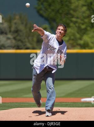 May 16, 2010 - Denver, Colorado, U.S. - MLB Baseball - Former Colorado Avalanche center and 13 time NHL All-Star - Stock Photo