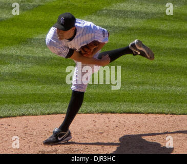 May 16, 2010 - Denver, Colorado, U.S. - MLB Baseball - Colorado Rockies pitcher MATT BELISLE throws during a 2-1 - Stock Photo