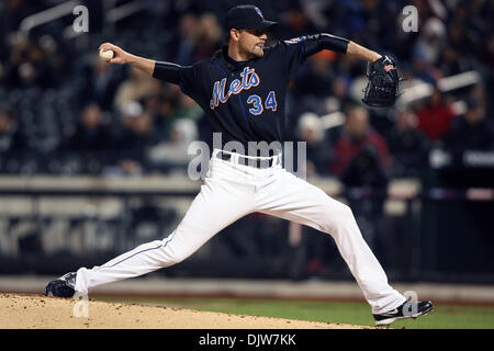 Apr. 9, 2010 - Flushing, New York, U.S - 09 April 2010: New York Mets starting pitcher Mike Pelfrey (34) pitches - Stock Photo