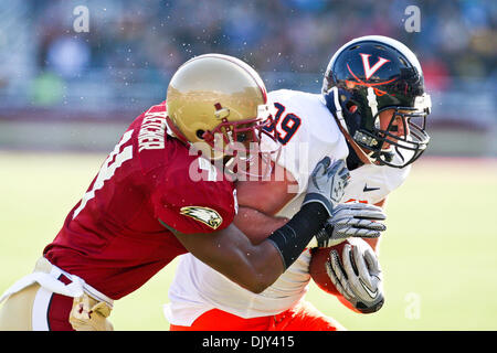 Nov. 20, 2010 - Boston, Massachusetts, U.S. - After catching a Marc Verica (6) pass Virginia Cavaliers tight end - Stock Photo