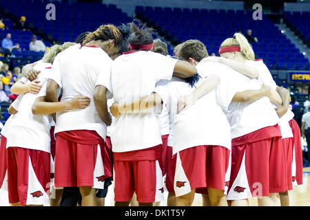 Jan. 27, 2011 - Baton Rouge, Louisiana, U.S - 27 January 2011- Arkansas at LSU; Arkansas players huddle before the - Stock Photo