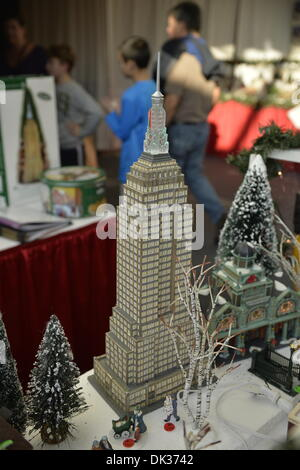 Christmas Decorations In The Empire State Building Lobby
