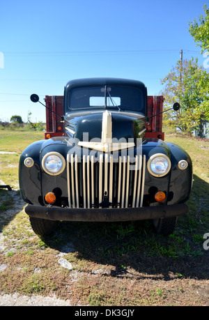 1940s Ford 1 ton pick up truck parked in Galena, Kansas, on historic Route 66 - Stock Photo