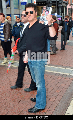 A Simon Cowell look-alike caused quite a stir on Grafton Street today while filming a skit for Craig Doyle Live - Stock Photo