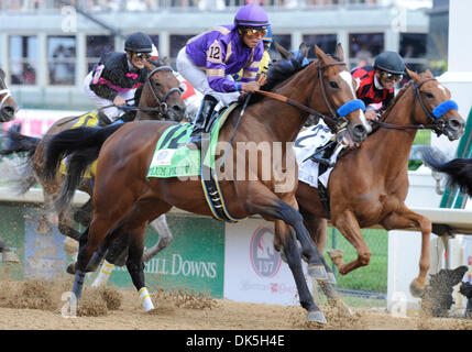 May 6, 2011 - Louisville, Kentucky, U.S. - Plum Pretty (no. 12), ridden by MARTIN GARCIA wins the 137th running - Stock Photo