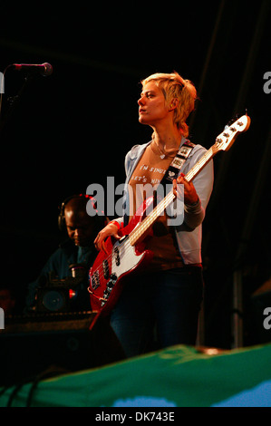 The Von Blondies performing at the Glastonbury Festival 2004 - Stock Photo
