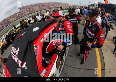 June 19, 2011 - Brooklyn, Michigan, U.S - NASCAR Nationwide Series driver Trevor Bayne (21) prior to the Heluva - Stock Photo