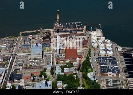 aerial photograph Brooklyn Navy Yard Cogeneration Facility, Brooklyn, New York - Stock Photo