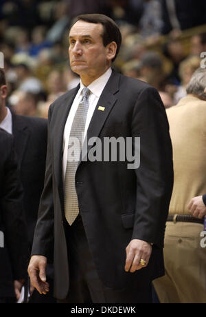 Jan 02, 2007 - Durham, NC, USA - NCAA College Basketball Legendary Duke University Head Coach MIKE KRZYZEWSKI stands - Stock Photo