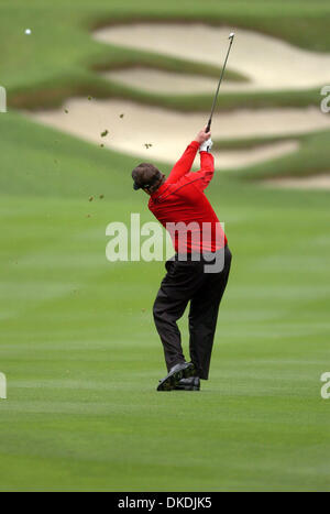 Feb 10, 2007 - Pebble Beach, CA, USA - PHIL MICKELSON hits his approach shot on the 11th hole at Spyglass Hill to - Stock Photo