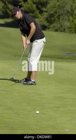 May 07, 2007 - Antioch, CA, USA - Albany High School's JOY KIM putts on the 9th green during the NCS Boys' Golf - Stock Photo
