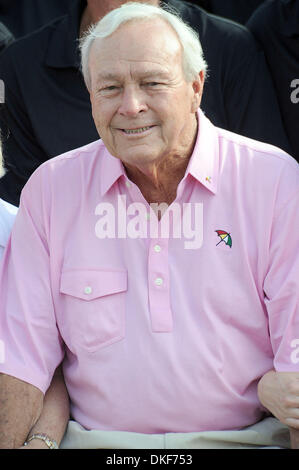 Aug 16, 2009; Raleigh, North Carolina, USA; Golf Legend ARNOLD PALMER takes part in the 2009 Jimmy V Celebrity Golf - Stock Photo