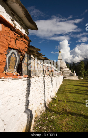 Bhutan, Pele La Pass, Chendebji Buddhist Chorten and Mani Wall - Stock Photo