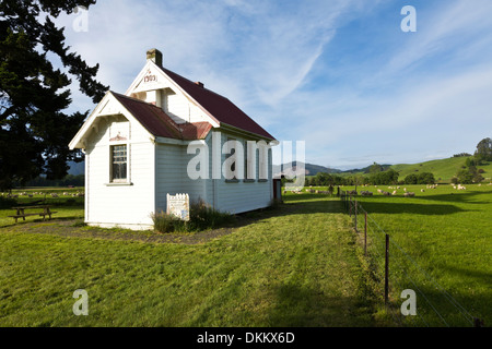 A school house for farm children on the South Island of New Zealand. - Stock Photo