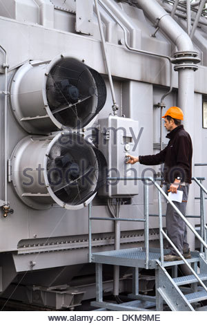 Routine maintenance of power transformer