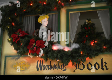 (131208) -- VANCOUVER, Dec. 8, 2013 (Xinhua) -- Photo taken on Dec. 8, 2013 shows Christmas window displays from - Stock Photo