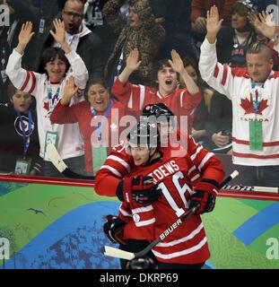 BRIAN PETERSON ¥ brianp@startribune.com Vancouver, BC - 02/19/2010 - Men's Olympic Hockey U.S.A. vs Canada.  The - Stock Photo