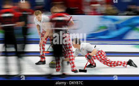 BRIAN PETERSON ¥ brianp@startribune.com Vancouver, BC - 02/27/2010 - ] Curling Men's Gold Medal Game - Canada defeated - Stock Photo