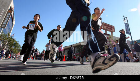 Feb 28, 2010 - Los Angeles, California, USA - Participants race during the 32nd annual Firecracker Run on Feburary - Stock Photo