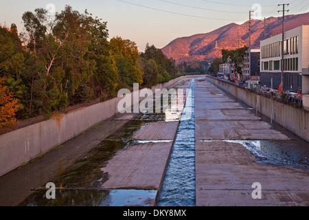 Los Angeles River, Studio City, Los Angeles, California, USA - Stock Photo