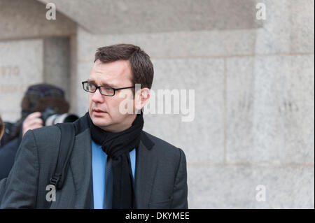 Old Bailey, London, UK. 10th Dec, 2013. The trial of former News International chief executive Rebekah Brooks, Andy - Stock Photo