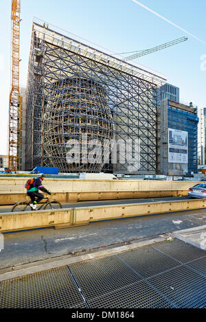 Brussels, Belgium. 10th December 2013. The Europa building construction on december 10, 2013 in Brussels. Europa - Stock Photo