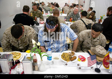 Camp Leatherneck, Helmand, Afghanistan. 10th December 2013. Duck Dynasty reality television star Willie Robertson - Stock Photo