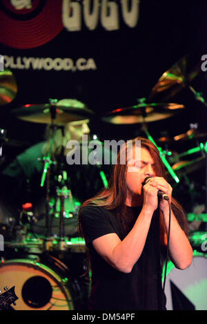 West Hollywood, California, USA. 11th Dec, 2013. Musician- RAY ALDER leaad vocals for Fates Warning on stage at - Stock Photo