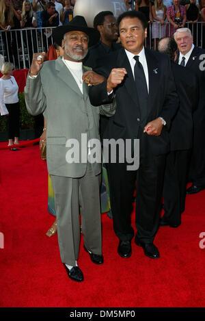 July 10, 2002 - Los Angeles, CALIFORNIA - 10TH ANNUAL ESPY AWARDS.AT HOLLYWOOD'S KODAK THEATRE IN LOS ANGELES, CA.MUHAMMAD - Stock Photo