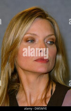 Sept. 6, 2002 - Toronto, CANADA - WHITE OLEANDER.PRESS CONFERENCE AT THE FOUR SEASONS HOTEL.TORONTO CANADA.MICHELLE - Stock Photo