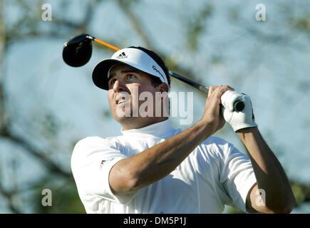 Mar 12, 2005; Palm Beach Gardens, FL, USA; PAT PEREZ tees off on 18 at The Honda Classic at Mirasol in Palm Beach - Stock Photo