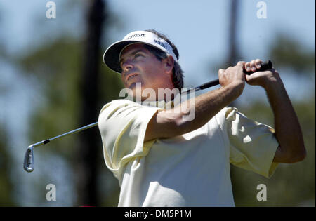 Mar 12, 2005; Palm Beach Gardens, FL, USA; FRED COUPLES tees off on 15 at The Honda Classic at Mirasol in Palm Beach - Stock Photo