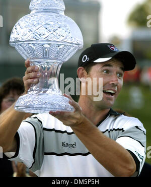 Mar 13, 2005; Palm Beach Gardens, FL, USA; PADRAIG HARRINGTON accepts the trophy after winning The Honda Classic - Stock Photo