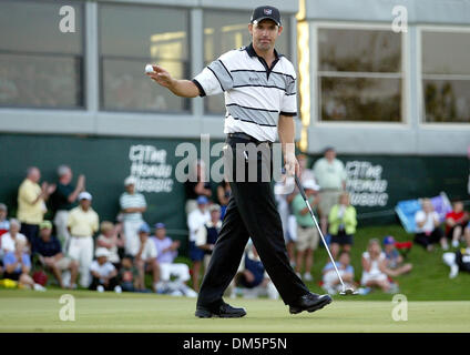 Mar 13, 2005; Palm Beach Gardens, FL, USA; PADRIG HARRINGTON winning putt after two hole of a playoff against Vijay - Stock Photo