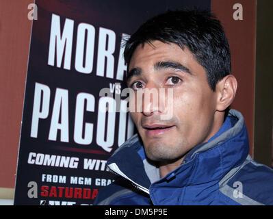 Mar 15, 2005; Las Vegas, NV, USA; Boxer ERIK 'El Terrible' MORALES arrives at the MGM in Las Vegas. MORALES will - Stock Photo