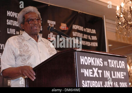 May 04, 2005; Beverly Hills, CA, USA; Bernard Hopkins trainer BOUIE FISHER. Undisputed World Middleweight Champion - Stock Photo