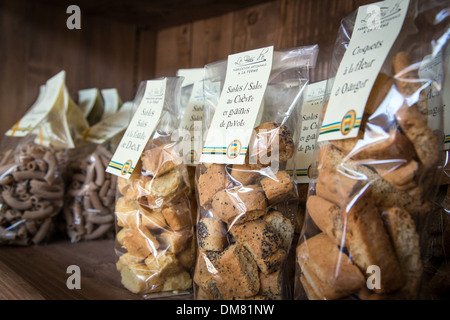 SHORTBREAD BISCUITS WITH GOAT'S CHEESE AND POPPY SEEDS, FOOD PRODUCTS LABELLED TERRES D'EURE-ET-LOIR, SHELF IN THE - Stock Photo