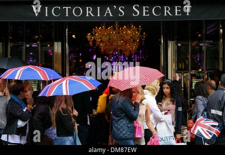 Exterior Views Victoria's Secret London flagship store launch on Bond Street London England - 29.08.12 Featuring: - Stock Photo