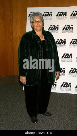 Dec. 13, 2002 - Los Angeles, CALIFORNIA, USA - K28050MR .18TH ANNUAL INTERNATIONAL DOCUMENTARY ASSOCIATION AWARDS - Stock Photo