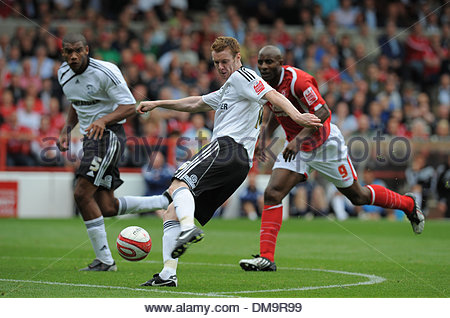 Stephen Pearson of Derby County has a shot on goal..Coca Cola Championship..Nottingham Forest v Derby County..29th - Stock Photo