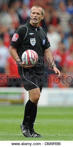 Referee Martin Atkinson..Coca Cola Championship..Nottingham Forest v Derby County..29th August, 2009.(Credit Image: - Stock Photo