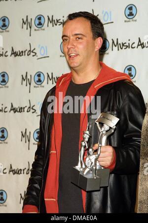 Dec. 2, 2001 - Los Angeles, CALIFORNIA, USA - DAVE MATTHEWS.MY VH 1 AWARDS.SHRINE AUDITORIUM, LOS ANGELES, CA.DECEMBER - Stock Photo