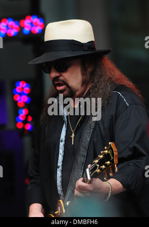 Gary Rossington of Lynyrd Skynyrd performs live outside Fox News studio as part of Fox and Friends All-American - Stock Photo