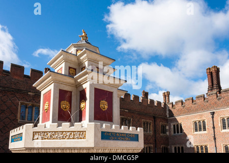 Recreation of Henry VIII wine fountain in Base Court at Hampton Court Palace. - Stock Photo