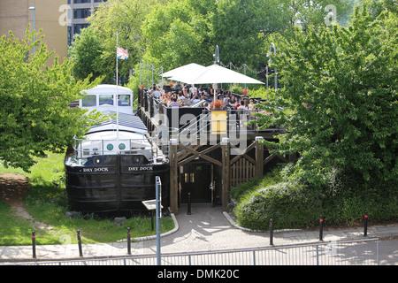 The Dry Dock Pub, in Woodhouse Lane, Leeds - Stock Photo