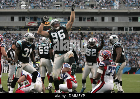October 25, 2009: Carolina Panthers defensive end Tyler Brayton #96 celebrates a safety in the second quarter against - Stock Photo