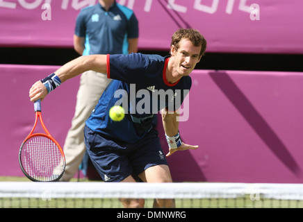 Andy Murray London 2012 Olympic Games - Men's Tennis Singles Final - Andy Murray (GBR) v Roger Federer (SWI) at - Stock Photo