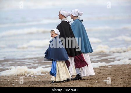 Netherlands, Scheveningen. Bicentenary. Historic landing at Scheveningen beach. Fishermen and women in traditional - Stock Photo