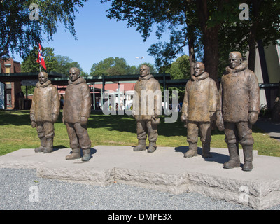 Bronze statue group, Roald Amundsen and members of his South Pole polar expedition in Bygdøy Oslo Norway - Stock Photo